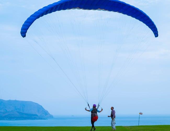 Paragliding Lima Peru Miraflores Iletours