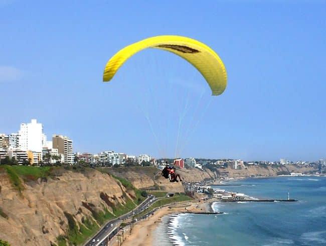 paragliding lima miraflores peru