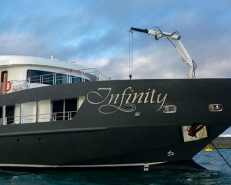 Yate Infinity Galapagos Cruises Luxury