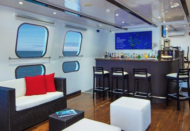 Natural paradise yacht galapagos