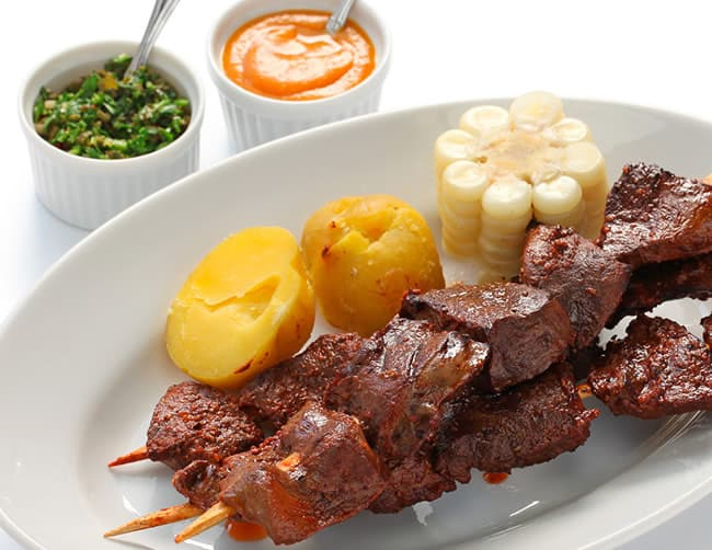 anticuchos comida peruana